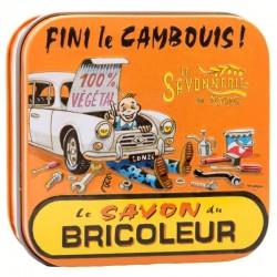 Savon du Bricoleur artisanal dans une boîte vintage